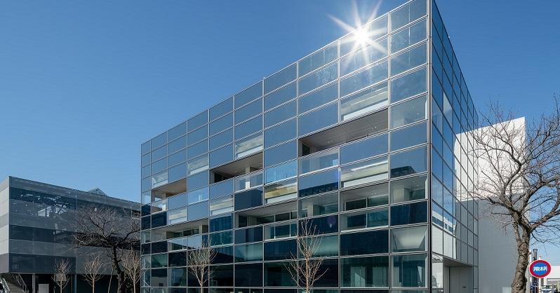 大成建設、ZEB実証棟を刷新、壁面太陽光の発電量30%向上 - ニュース - メガソーラービジネス : 日経BP